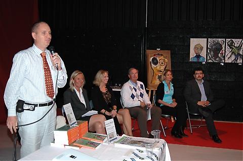 Paneldebatt där föredragshållarna fick svara på frågor från deltagarna samt Sydkustens chefredaktör och moderator Mats Björkman