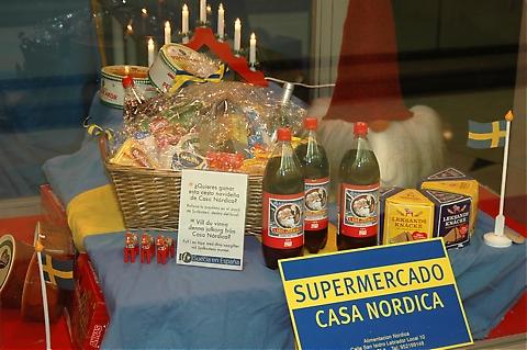 Casa Nórdica sålde svenska produkter och i lottdragningen kunde man bland annat vinna deras Julkorg