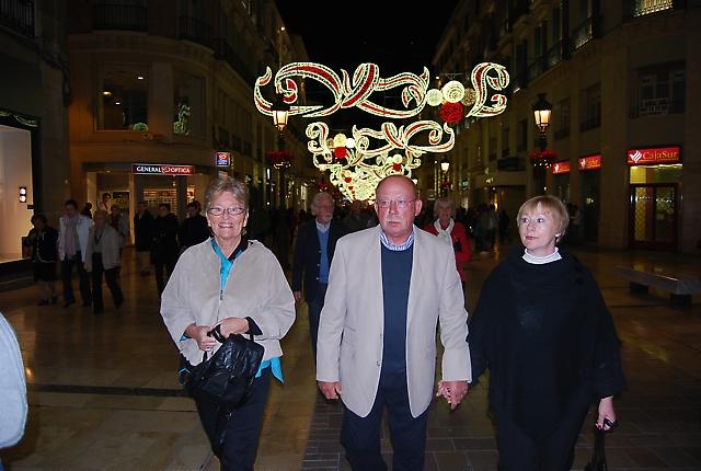 Tone Solli tillsammans med Ulf och Birgit Lindelöf på Calle Larios.