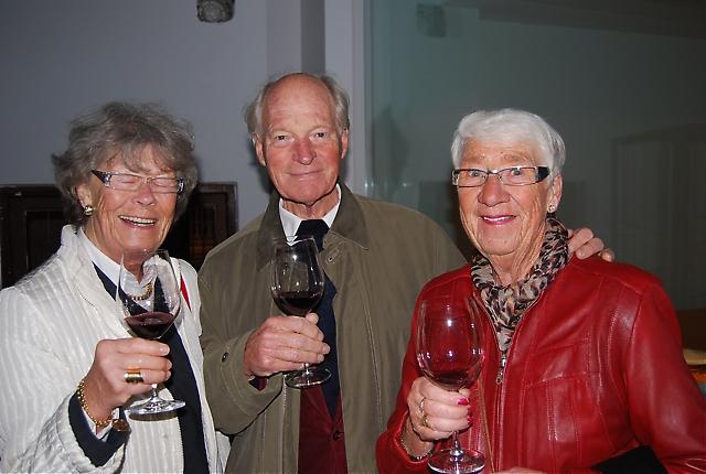 Elisabeth och Torsten Örneberg tillsammans med Inger Sjöblom.