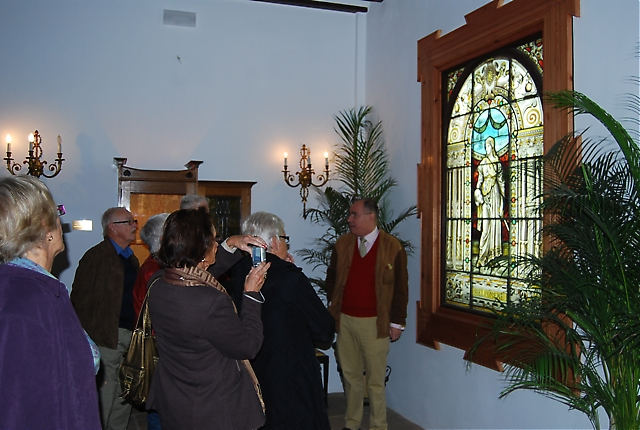 Besöket på nyöppnade Glasmuseet, Museo del Vidrio, blev för många särskilt minnesvärt då det visade sig ligga i ett vackert palats där ägaren, Gonzalo Fernández-Prieto, själv tog emot och berättade om sin omfattande glas, konst- och möbelsamling.