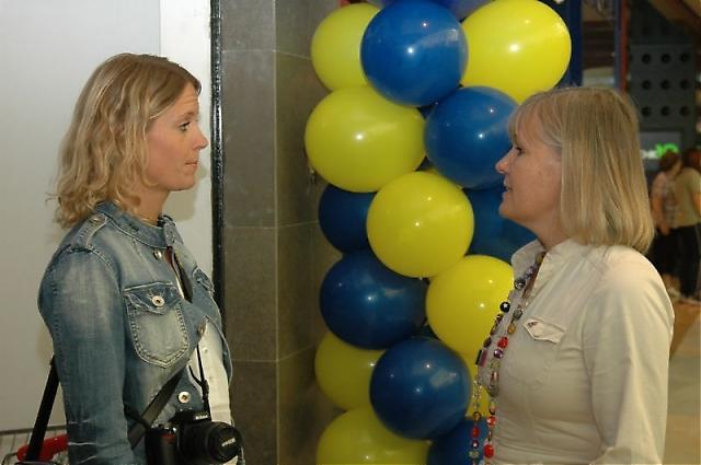 Författaren och journalisten Carin Osvaldsson fick en pratstund med Cecilia Julin.