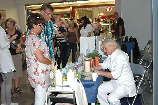 Marijke på New Body gav besökarna information.