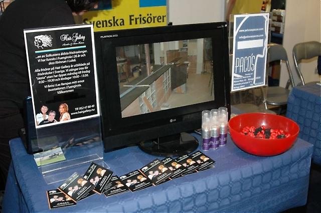 Svenska frisérsalongen Hair Gallery använde moderna hjälpmedel i sin utställning.