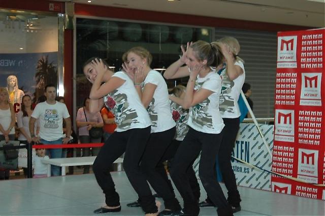 Eleverna på dansskolan FAMA dansade till både ABBA och Erik Saade.