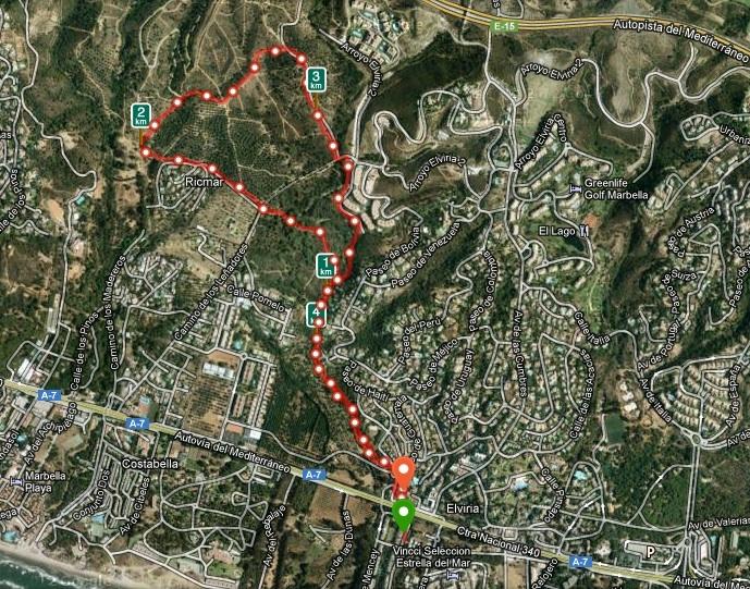 Promenaden startar och slutar vid Parque Elviria, intill kustvägen A-7. <br /><br />---<br /><br />El paseo comienza y termina en Parque Elviria, junto a la carretera A-7 de la Costa.