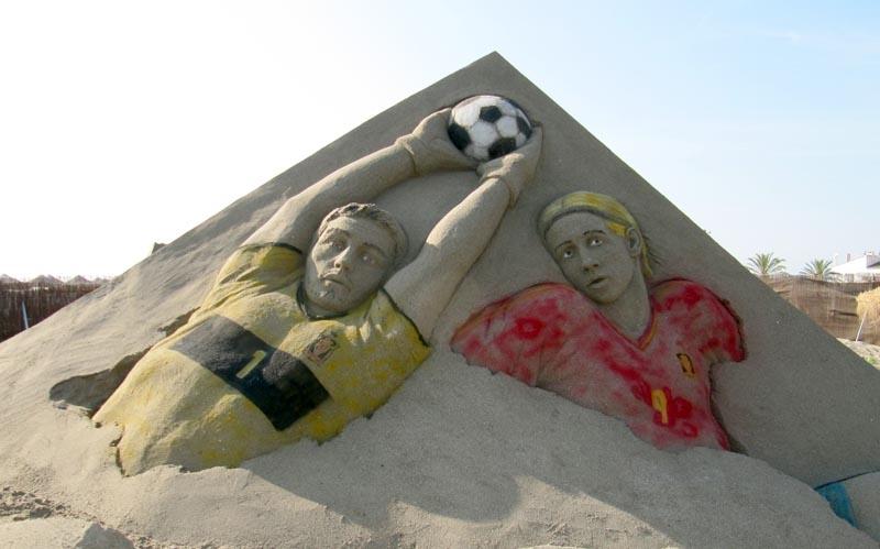 EM-stjärnorna Iker Casillas och Fernando Torres, den senare skyttekung och målgörare i finalen.