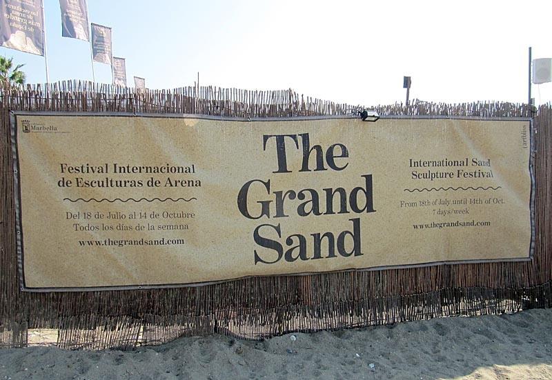 Utställningen The Grand Sand pågår till 14 oktober.