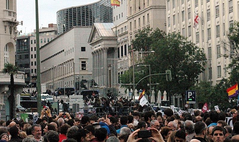 Demonstrationen hade som syfte att symboliskt omringa  parlamentet Congreso de los Diputados, något som misslyckades.