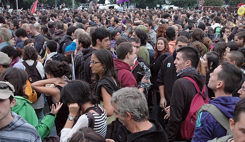Sydkusten var på plats när tusentals personer demonstrerade 25 september nära parlamentet Congreso de los Diputados i Madrid, med krav om regeringens avgång.