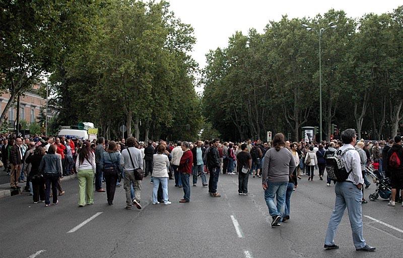 Vackra Paseo del Prado fick stängas av för biltrafik.