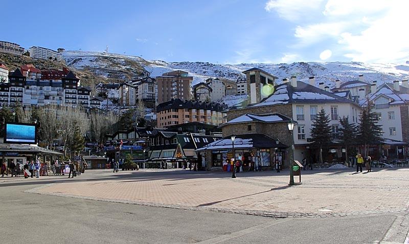 I Sierra Nevada påminner arkitekturen betydligt mer om Alperna än om Andalusien,