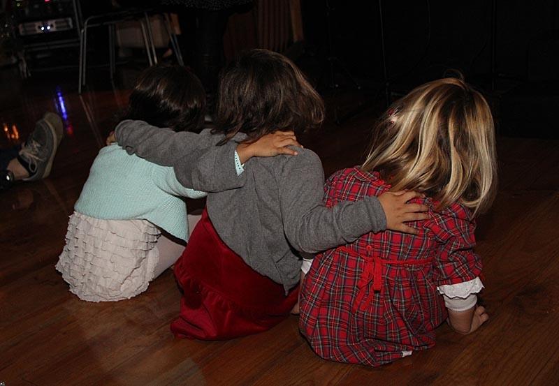 Barnen hängde med i de fina Luciasångerna.