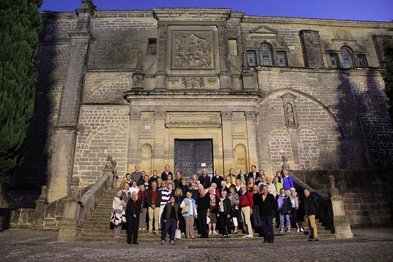 Besök i Baeza, förklarat kulturarv av Unesco. Gruppbild vid katedralen.