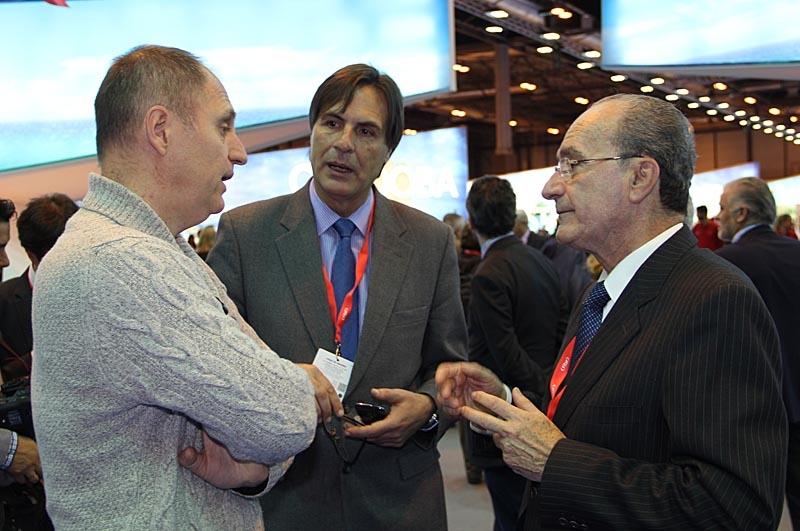 Sydkustens chefredaktör Mats Björkman samtalar med Málagas borgmästare Francisco de la Torre.