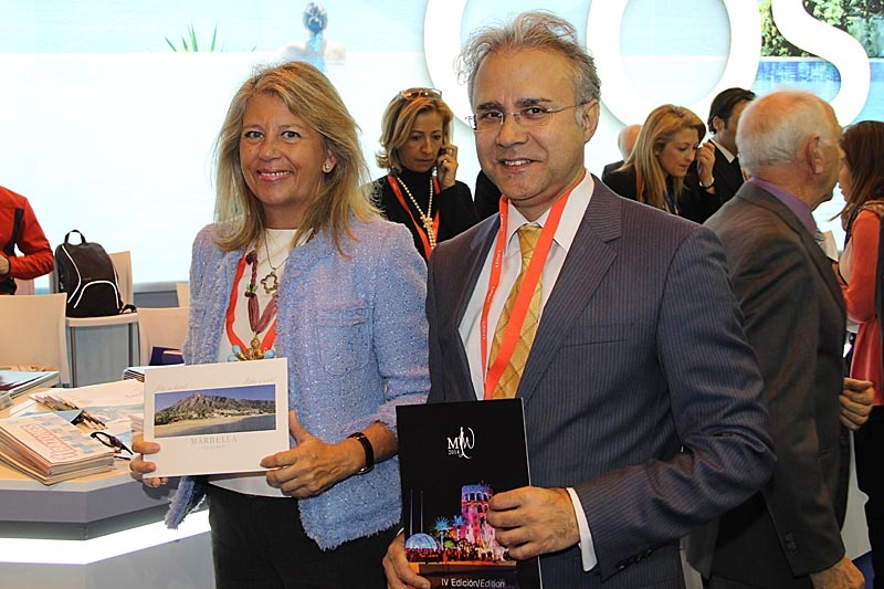 Marbellas borgmästare Ángeles Muñoz samt turistrådet José-Luís Hernández