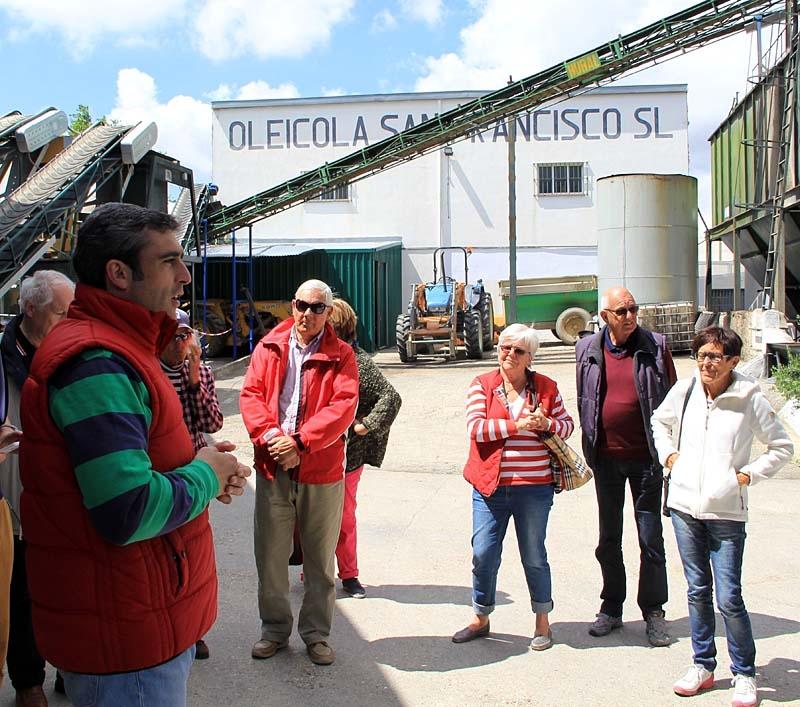 Den moderna olivpressningstekniken presenterades av Manuel, vid Almazara San Francisco i byn Begíjar.