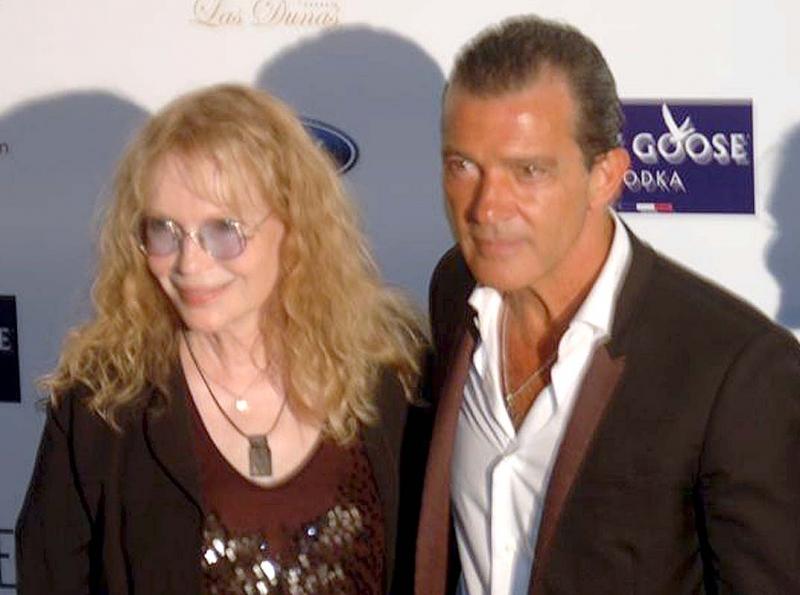 """Mia Farrow och Antonio Banderas har medverkat i en film tillsammans och enligt Farrow är Málagaskådespelaren en """"fantastisk kyssare""""."""