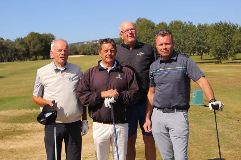 Bernt Schönning, Peter Edström, Stig Stieberth och Claes Mårtenson på tians tee.