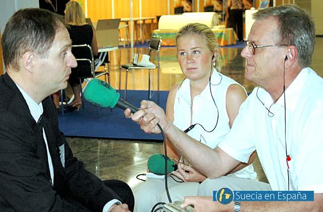 SV: Sydkustens chefredaktör Mats Björkman intervjuas av Radio Solymar.<br /><br />ESP: El editor del periódico Sydkusten entrevistado por Radio Solymar.