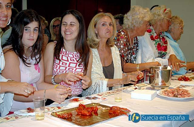 SV: Kr&auml;ftorna fr&aring;n Ullmo i Sevilla var mycket uppskattade.<br /><br />ESP: La degustaci&oacute;n de cangrejos del r&iacute;o de Ullmo en Sevilla fue todo un &eacute;xito.