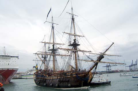 Götheborg anlände precis enligt tidtabell till ett gråmulet Cádiz 19 oktober. Foto: Carin Osvaldsson