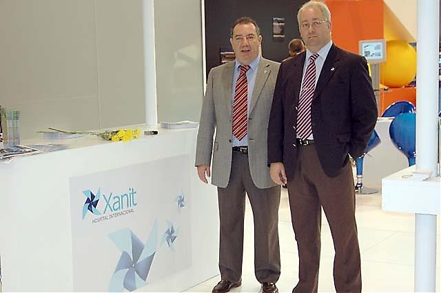 Det nya privatsjukhuset Xanit i Benalmádena representerades av Jesús Cabello och Dr. Juan Bosco Rodríguez.