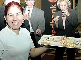 Swedbank bjöd sina gäster på en trevlig cocktail efter föreställningen.