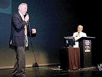 Olle Westerling fick en pratstund med Bosse Parnevik på scenen.