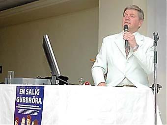 Bosse Parneviks andra föreställning överträffade alla publikförväntningar.