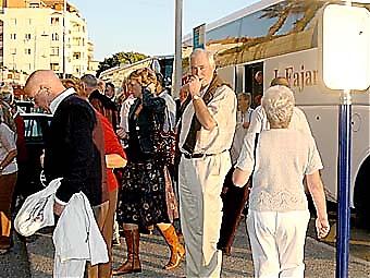 AHN i Nerja sålde nära 100 biljetter och ordnade två bussar till Almuñécar. Imponerande!
