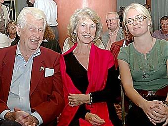 Trivdes i Fuengirola gjorde Gösta och Soili Lewin, med barnbarnet Elin.