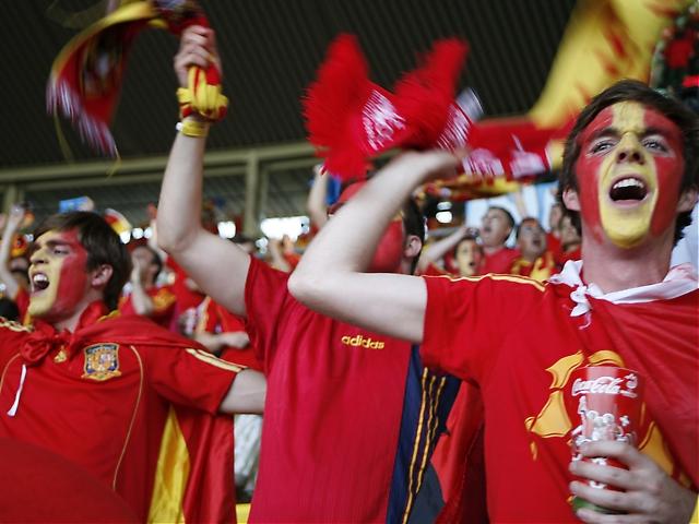 De spanska supportrarna fick äntligen skratta sist.