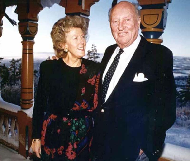 Prins Carl och hans norska hustru Kristine har levt 41 lyckliga år i Spanien. Fotot är taget i samband med Prins Carls 80-årsdag, 10 januari 1991.