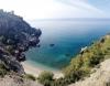 Maro-kusten är full av läckra badvikar, av vilka några nästan bara kan nås från havet.