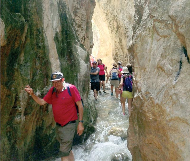 Río Chíllar är en av kustens populäraste vandringsleder, men några respekterar inte naturen och kommunledningen i Nerja vill införa restriktioner.