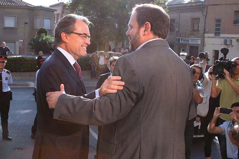 De politiska ytterligheterna Artur Mas och Oriol Junqueras gör gemensam sak för ett självständigt Katalonien.