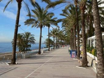 Ett flertal sträckor på strandpromenaden i Marbella har hittills varit förbjudna för cyklister.