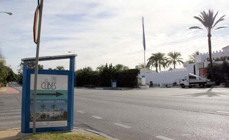 Olycksplatsen dagen efter tragedin. Inget vittnar om att en 64-årig svensk kvinnas dröm om ett liv i Spanien tog slut här.