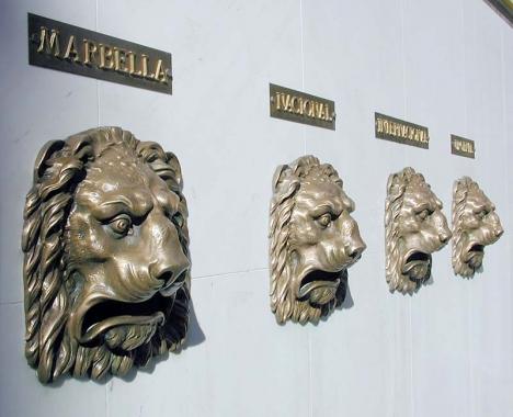 Tusentals brev till Marbella blev inte uppätna, men väl uppbrända.