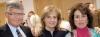 Elvira Herrador har ett brett kontaktnät. Det gäller inte minst Fuengirola kommun. På bilden är hon tillsammans med tidigare borgmästaren Esperanza Oña och rektorn Per Jonsson.