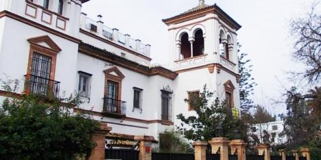 Objekten inkluderar denna lyxbostad i Sevilla.