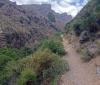 Trots höga berg och djupa raviner är vandringen relativt enkel, utan allt för stora höjdskillnader.