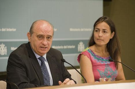 María Seguís avgång accepterades 22 juli av inrikesministern Jorge Fernández Díaz. Foto: Ministerio del Interior 2015