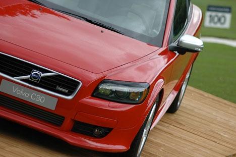 Fyra återförsäljare av Volvo i Madrid med omnejd avtalade priser och döms för kartellbildning.