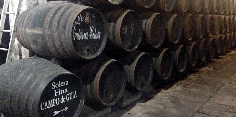 Solera kommer från det spanska ordet för mark. Den sherry som buteljeras tas alltid från faten underst, men aldrig mer än en tredjedel av innehållet i taget.
