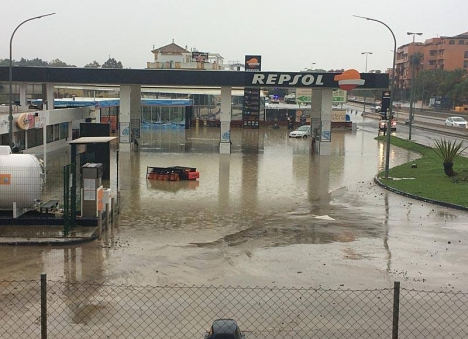 Några av de allvarligaste översvämningarna inträffade i Cancelada (Estepona), där bland annat en 26-årig kvinna omkom.