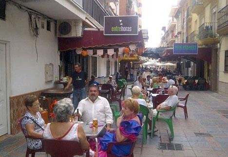 Dramat inträffade vid baren Entrehoras, i Fuengirola. Foto: Facebook