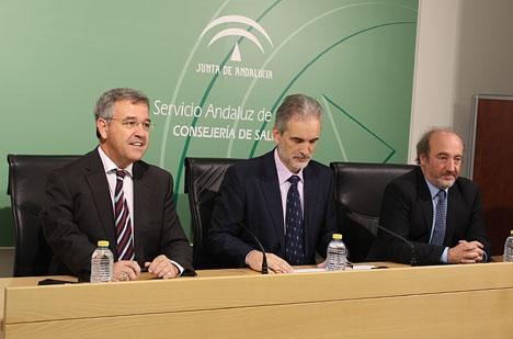 Esteponas borgmästare José María García Urbano (till vänster) vid presentationen av projektet. Foto: Ayto de Estepona