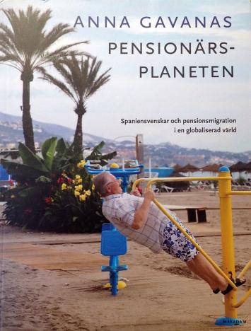 Pensionärsplaneten är en studie av Spaniensvenskar på Costa del Sol och Kanarieöarna, som vänder sig till en bred publik.